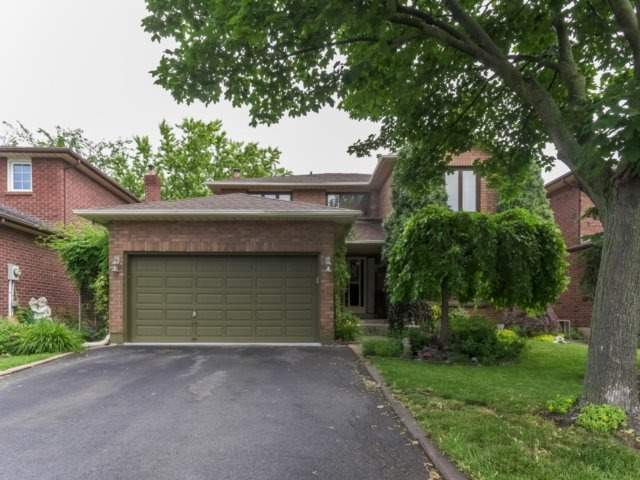 Detached at 1319 Greenwood Cres, Oakville, Ontario. Image 1