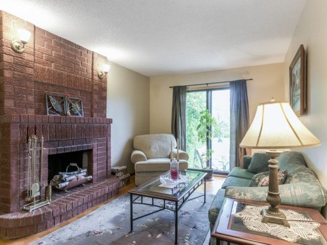 Detached at 1319 Greenwood Cres, Oakville, Ontario. Image 18