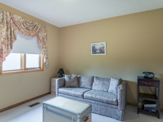 Detached at 1319 Greenwood Cres, Oakville, Ontario. Image 6