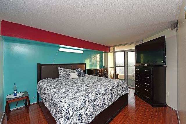 Condo Apartment at 1 Rowntree Rd, Unit 1616, Toronto, Ontario. Image 20