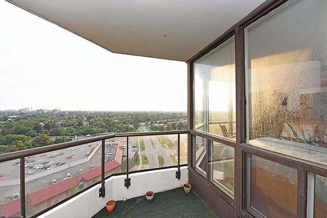 Condo Apartment at 1 Rowntree Rd, Unit 1616, Toronto, Ontario. Image 8