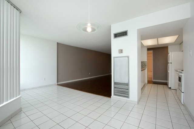 Condo With Common Elements at 3 Rowntree Rd, Unit 1705, Toronto, Ontario. Image 16