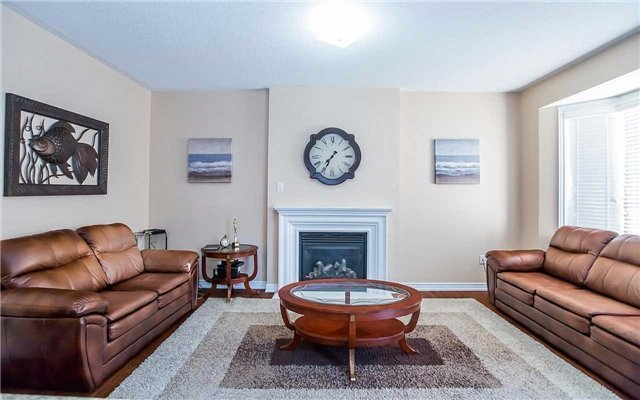 Semi-detached at 31 Cranwood Circ, Brampton, Ontario. Image 15