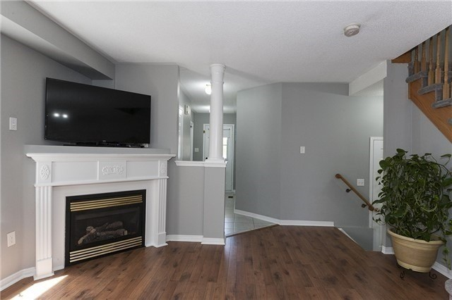 Semi-detached at 1220 Newell St, Milton, Ontario. Image 11