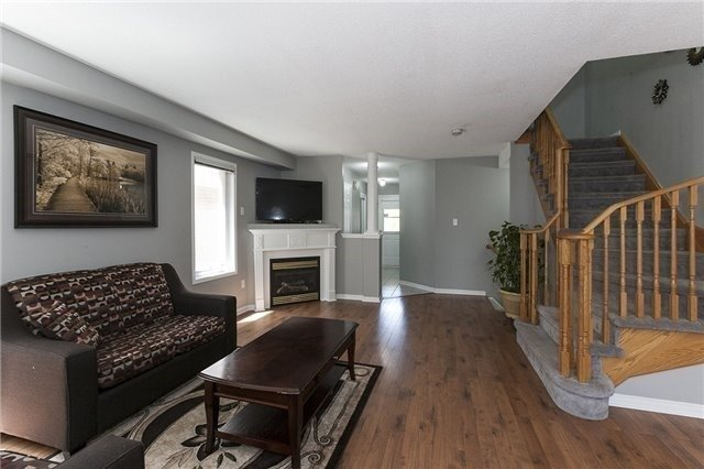 Semi-detached at 1220 Newell St, Milton, Ontario. Image 12