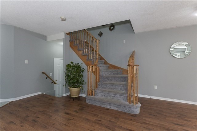 Semi-detached at 1220 Newell St, Milton, Ontario. Image 15