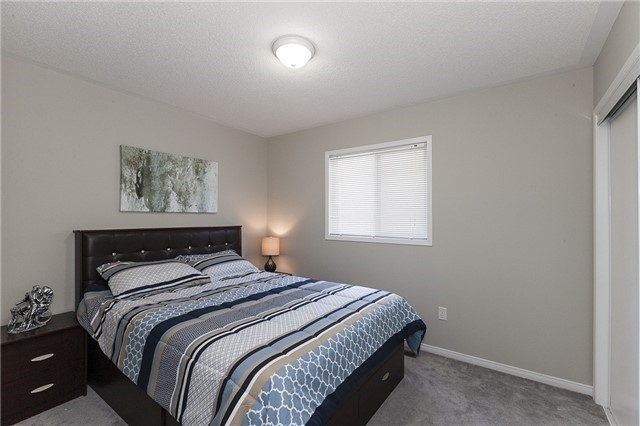 Semi-detached at 1220 Newell St, Milton, Ontario. Image 3