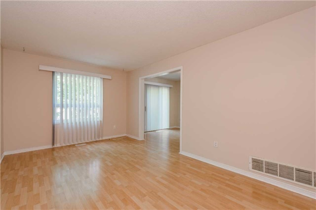 Condo Townhouse at 666 Constellation Dr, Unit 50, Mississauga, Ontario. Image 16