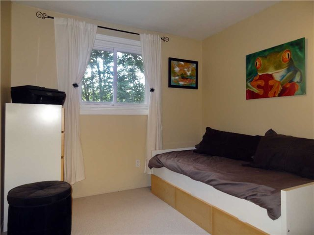 Condo Townhouse at 1050 Shawnmarr Rd, Unit 123, Mississauga, Ontario. Image 8