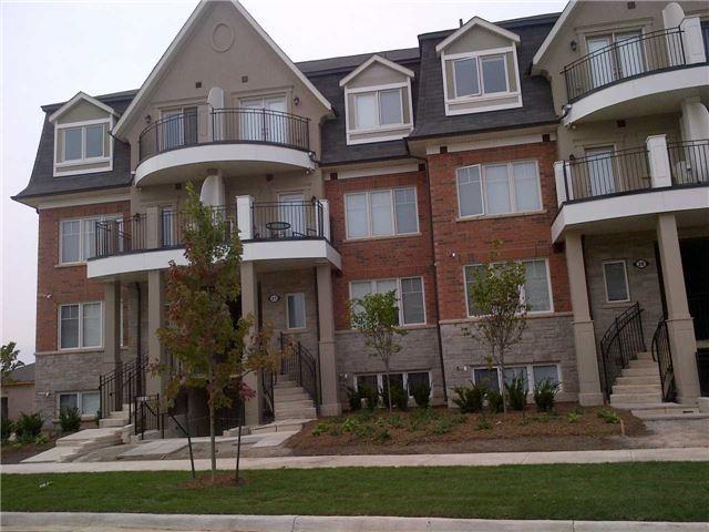 Condo Townhouse at 2420 Baronwood Dr, Unit 21-01, Oakville, Ontario. Image 1
