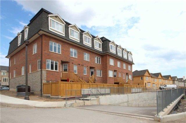 Condo Townhouse at 2420 Baronwood Dr, Unit 21-01, Oakville, Ontario. Image 13