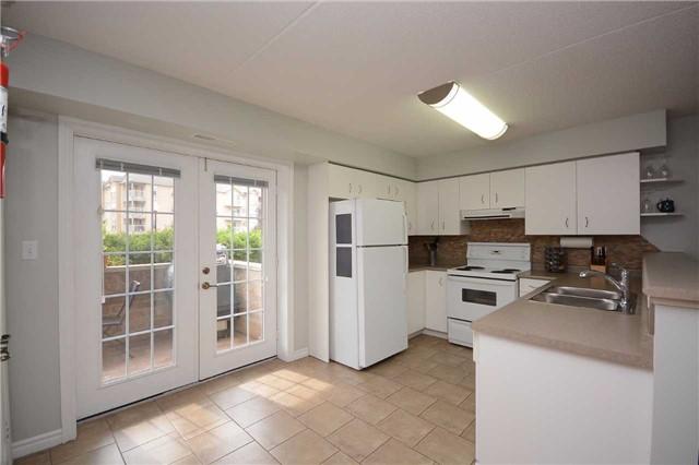 Condo Apartment at 1490 Bishops Gate, Unit 102, Oakville, Ontario. Image 13