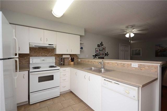 Condo Apartment at 1490 Bishops Gate, Unit 102, Oakville, Ontario. Image 14