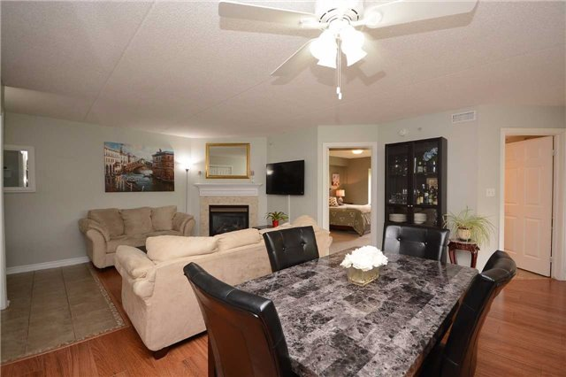 Condo Apartment at 1490 Bishops Gate, Unit 102, Oakville, Ontario. Image 16