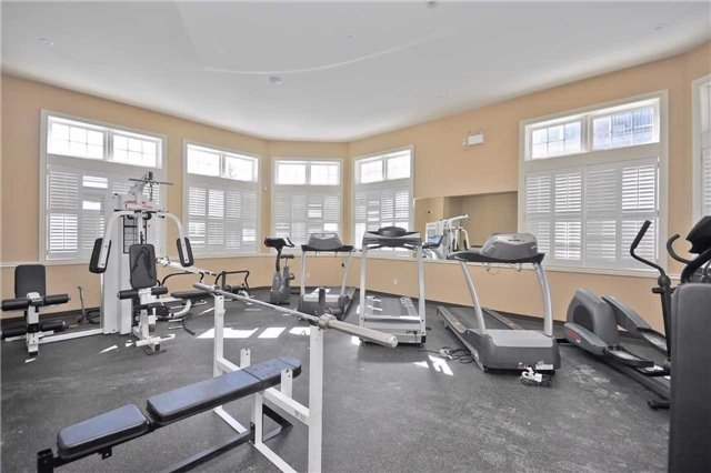 Condo Apartment at 1490 Bishops Gate, Unit 102, Oakville, Ontario. Image 9