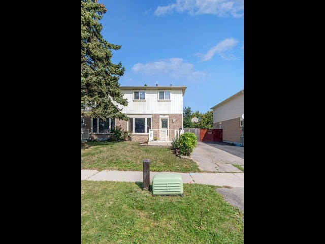 Semi-detached at 36 Lauderdale Rd, Brampton, Ontario. Image 13