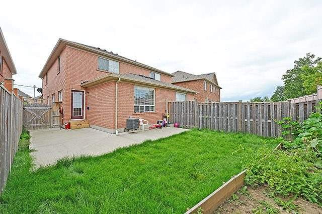 Semi-detached at 127 Herdwick St, Brampton, Ontario. Image 13