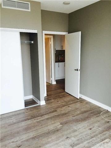 Condo Apartment at 4099 Brickstone Mews, Unit 3209, Mississauga, Ontario. Image 9