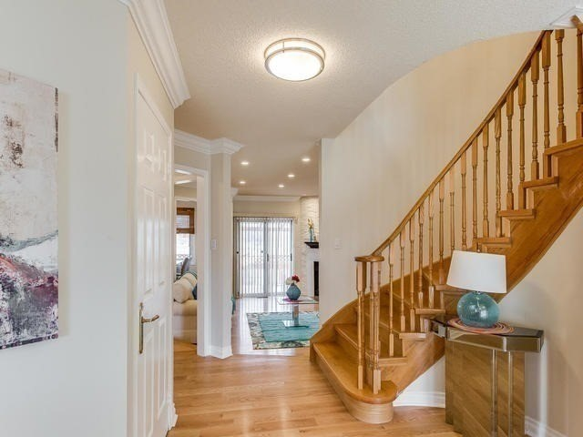 Detached at 4416 Romfield Cres, Mississauga, Ontario. Image 12
