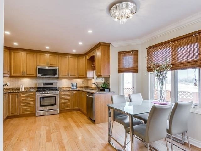 Detached at 4416 Romfield Cres, Mississauga, Ontario. Image 17