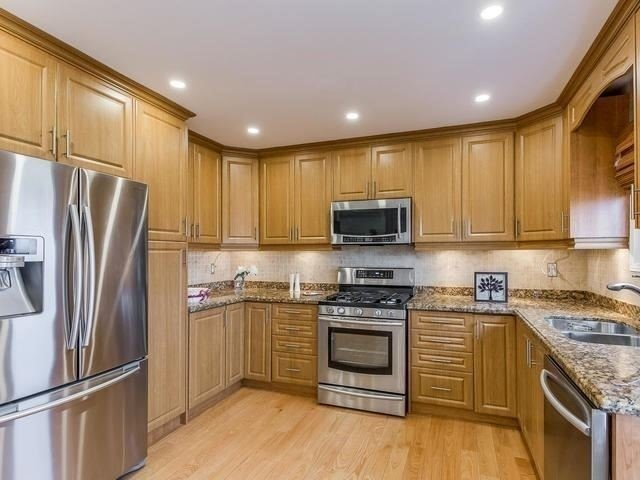 Detached at 4416 Romfield Cres, Mississauga, Ontario. Image 18