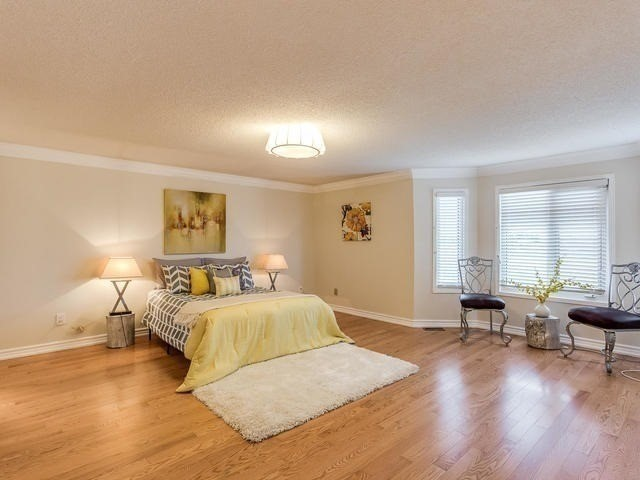 Detached at 4416 Romfield Cres, Mississauga, Ontario. Image 4