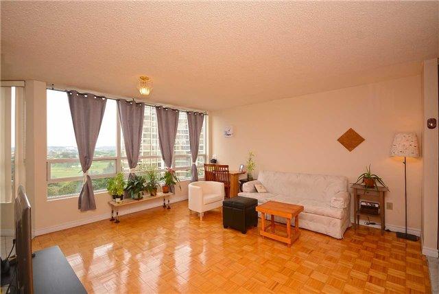 Condo Apartment at 50 Kingsbridge Garden Circ, Unit 901, Mississauga, Ontario. Image 15