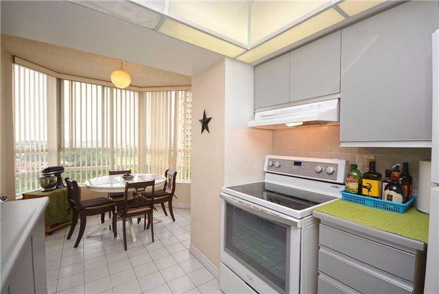 Condo Apartment at 50 Kingsbridge Garden Circ, Unit 901, Mississauga, Ontario. Image 19