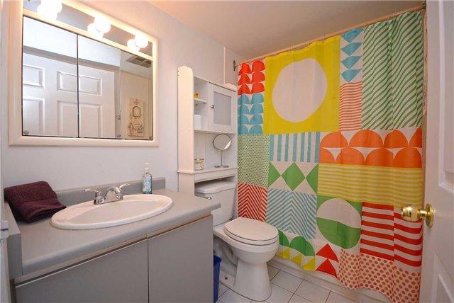 Condo Apartment at 50 Kingsbridge Garden Circ, Unit 901, Mississauga, Ontario. Image 4