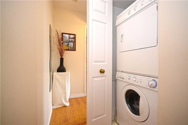 Condo Apartment at 50 Kingsbridge Garden Circ, Unit 901, Mississauga, Ontario. Image 5