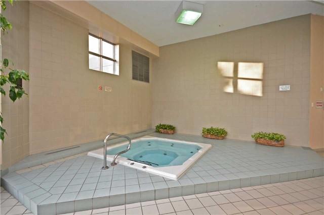 Condo Apartment at 50 Kingsbridge Garden Circ, Unit 901, Mississauga, Ontario. Image 9