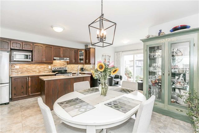 Semi-detached at 6 Coolspring Cres, Caledon, Ontario. Image 16
