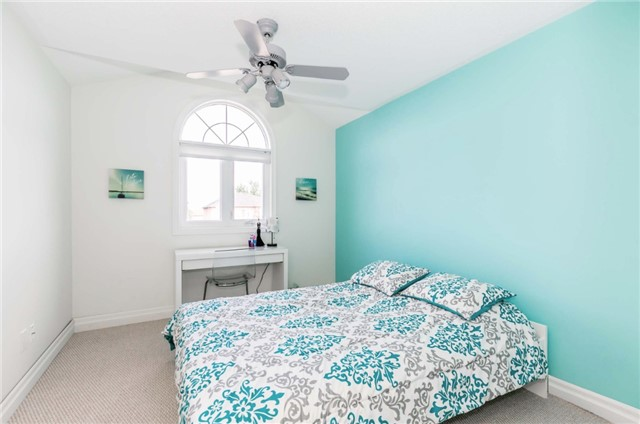 Semi-detached at 6 Coolspring Cres, Caledon, Ontario. Image 3