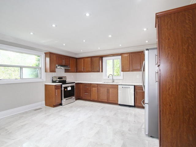 Detached at 103 Glen Agar Dr, Toronto, Ontario. Image 17