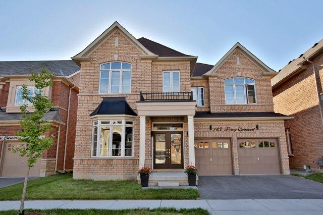 Detached at 143 Hoey Cres, Oakville, Ontario. Image 1