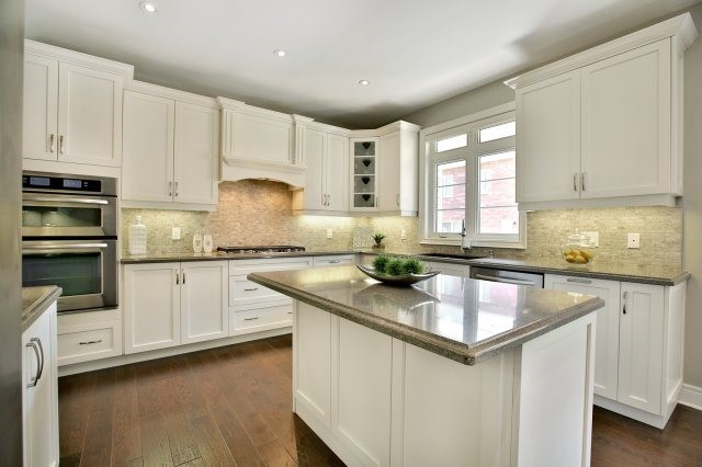 Detached at 143 Hoey Cres, Oakville, Ontario. Image 17