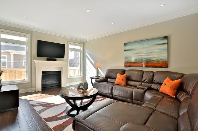 Detached at 143 Hoey Cres, Oakville, Ontario. Image 19