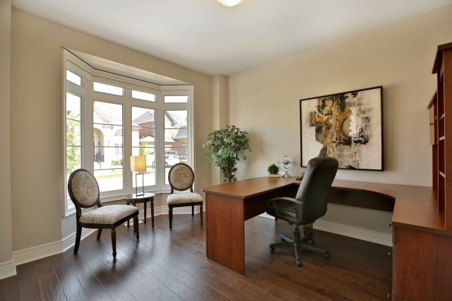 Detached at 143 Hoey Cres, Oakville, Ontario. Image 20