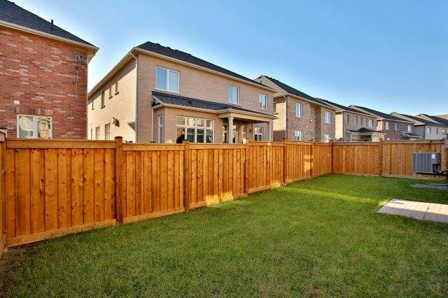Detached at 143 Hoey Cres, Oakville, Ontario. Image 13