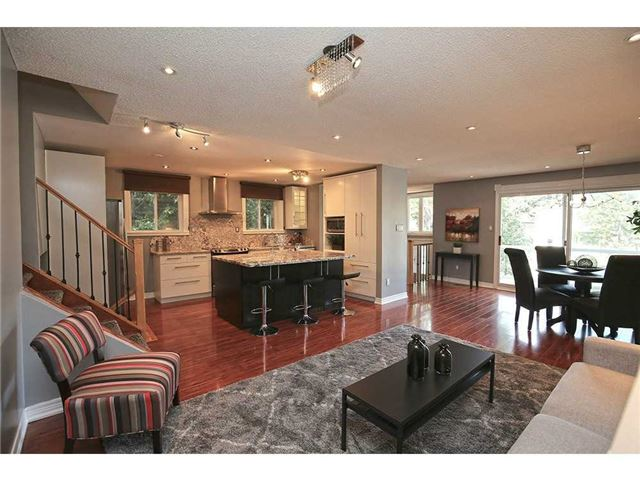 Detached at 3376 Lansdown Dr, Burlington, Ontario. Image 14