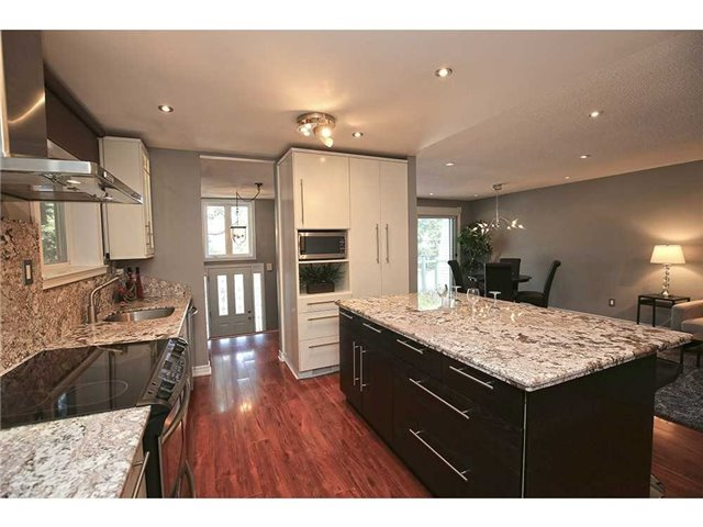 Detached at 3376 Lansdown Dr, Burlington, Ontario. Image 19