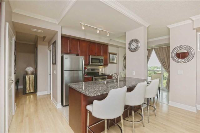 Condo Apartment at 100 John St, Unit 706, Brampton, Ontario. Image 14
