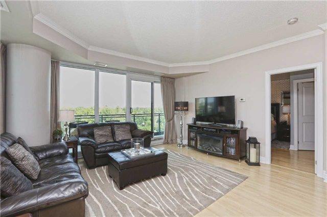 Condo Apartment at 100 John St, Unit 706, Brampton, Ontario. Image 16