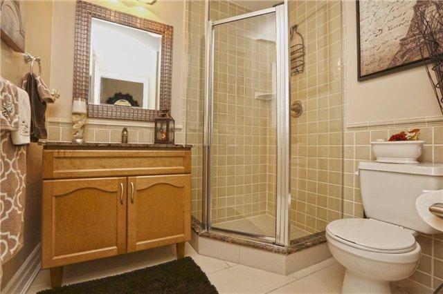 Condo Apartment at 100 John St, Unit 706, Brampton, Ontario. Image 18