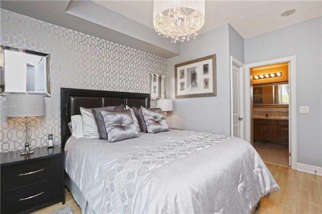 Condo Apartment at 100 John St, Unit 706, Brampton, Ontario. Image 3