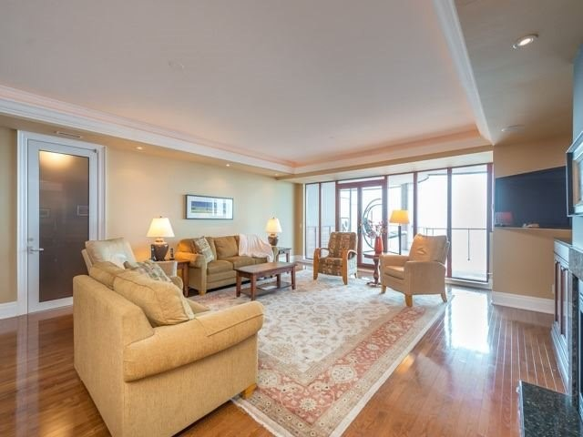 Condo Apartment at 2095 Lake Shore Blvd W, Unit 617, Toronto, Ontario. Image 19
