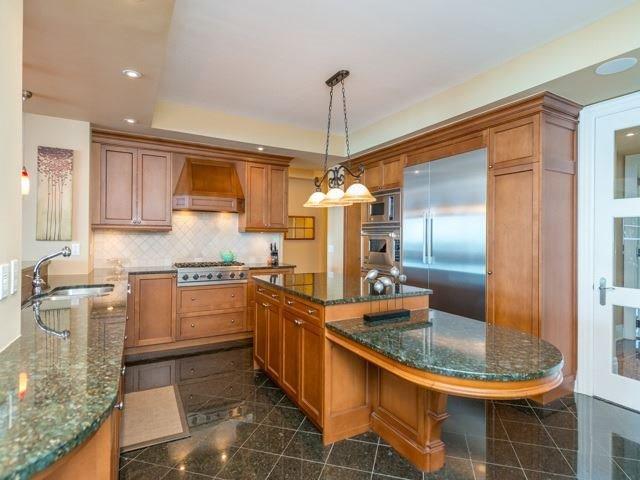 Condo Apartment at 2095 Lake Shore Blvd W, Unit 617, Toronto, Ontario. Image 3