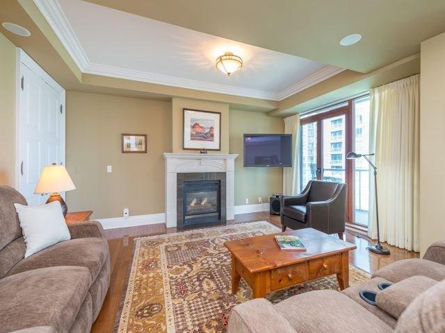 Condo Apartment at 2095 Lake Shore Blvd W, Unit 617, Toronto, Ontario. Image 4