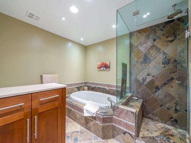 Condo Apartment at 2095 Lake Shore Blvd W, Unit 617, Toronto, Ontario. Image 9