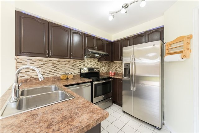 Detached at 75 Peace Valley Cres, Brampton, Ontario. Image 20